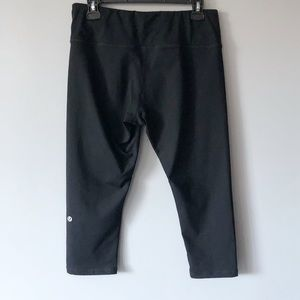Lululemon Black Legging Capris Size 8